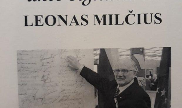 Leono Milčiaus knygos ekspozicija bibliotekoje